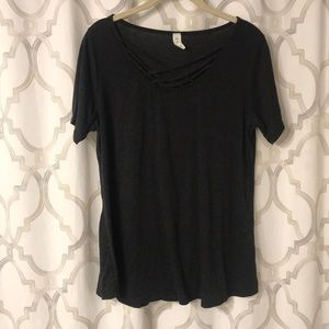 Tops - Strappy neck shirt
